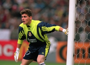 24 May 2000: Iker Casillas of Real Madrid in action during the European Champions League Final 2000 at the Stade de France, Saint-Denis, France. Real Madrid won 3-0. Mandatory Credit: Graham Chadwick /Allsport